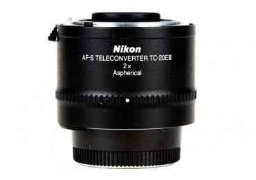 Nikon TC-20E III Téléconvertisseur - Phoxloc