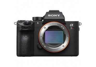 SONY Alpha 7R III + 1 batterie & chargeur Hybride Sony