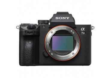 SONY Alpha 7 III + (2x batteries / 1x Carte SD 64 Go) Hybride Sony